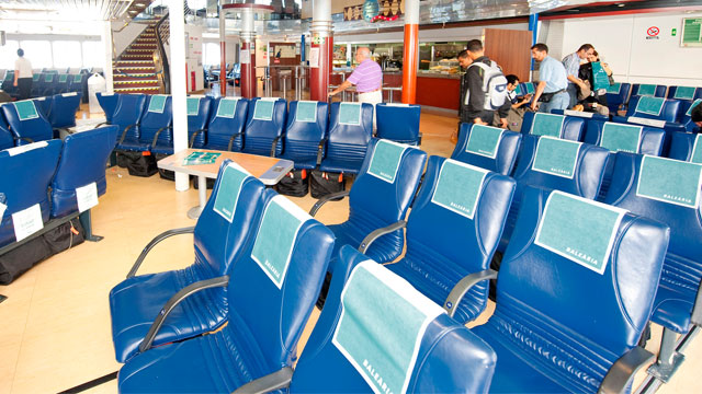Fast Ferry to Bahamas has comfortable seating